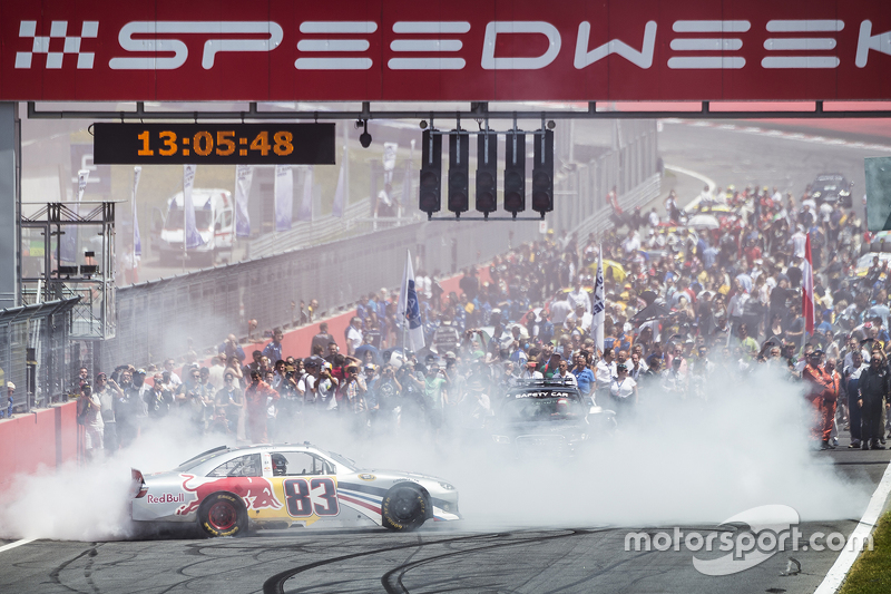 Aktivitas pra-balapan Red Bull NASCAR
