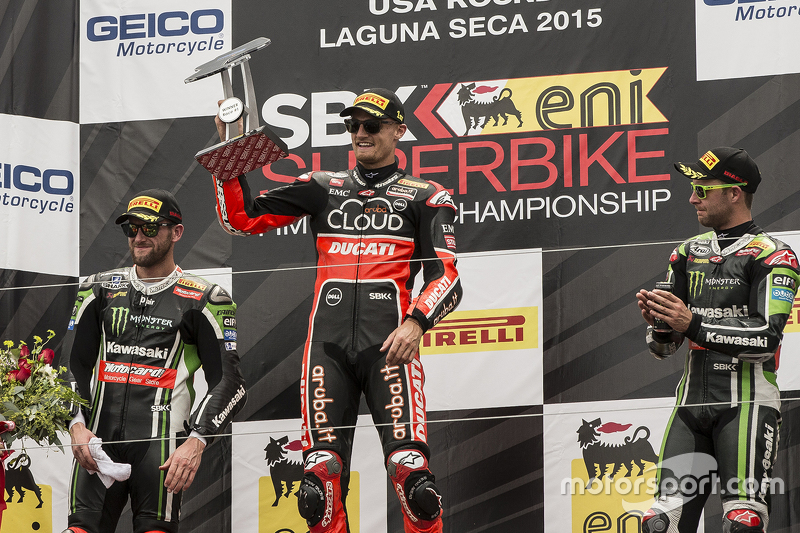 Podium: race winner Chaz Davies, Ducati Team, second place Tom Sykes, Kawasaki Racing, third place J