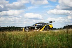 #32 Leonard Motorsport AMR Aston Martin Vantage GT3 : Stuart Leonard, Stefan Mücke, Tom Onslow-Cole, Michael Meadows