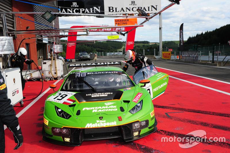 #19 GRT Grasser Racing Team Lamborghini Huracan: Andrew Palmer, Fabio Babini, Jeroen Mul