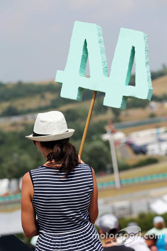 Seorang Fans Mercedes AMG F1, Lewis Hamilton