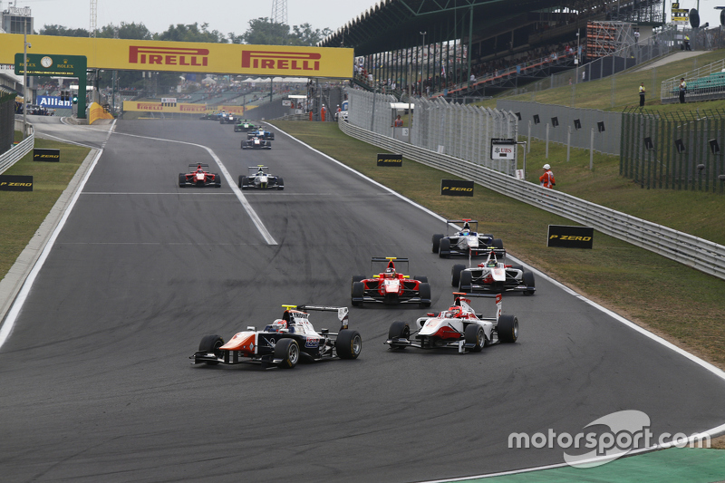 Luca Ghiotto, Trident, memimpin Esteban Ocon, ART Grand Prix, dan Emil Bernstorff, Arden International