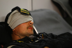 A sleeping механік