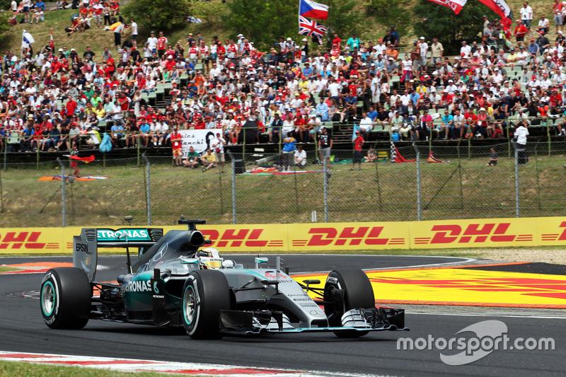 1.-Hamilton inmejorable en la clasificación
