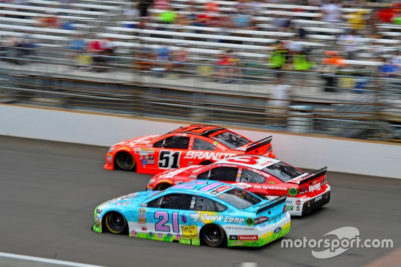 Justin Allgaier, HScott Motorsports Chevrolet, Austin Dillon, Richard Childress Racing Chevrolet and