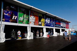 Yeni NASCAR Trackside Superstore