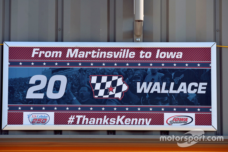 Sign commemorating the last NASCAR race of Kenny Wallace