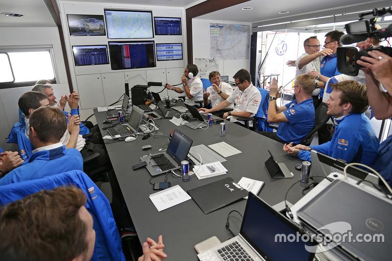 Perayaan area tim Volkswagen Motorsport