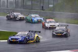 Gary Paffett, ART Grand Prix Mercedes-AMG C63 DTM leads Pascal Wehrlein, HWA AG Mercedes-AMG C63 DTM