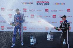 Podium: second place Justin Wilson, Andretti Autosport Honda, third place Simon Pagenaud, Team Penske Chevrolet