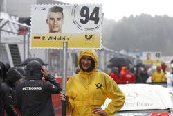 Gridgirl of Pascal Wehrlein, HWA AG Mercedes-AMG C63 DTM