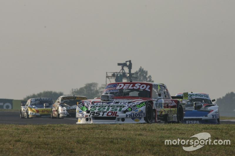 Juan Pablo Gianini, JPG Racing Ford dan Emiliano Spataro, UR Racing Dodge dan Leonel Pernia, Las Toscas Racing Chevrolet dan Josito di Palma, CAR Racing Torino