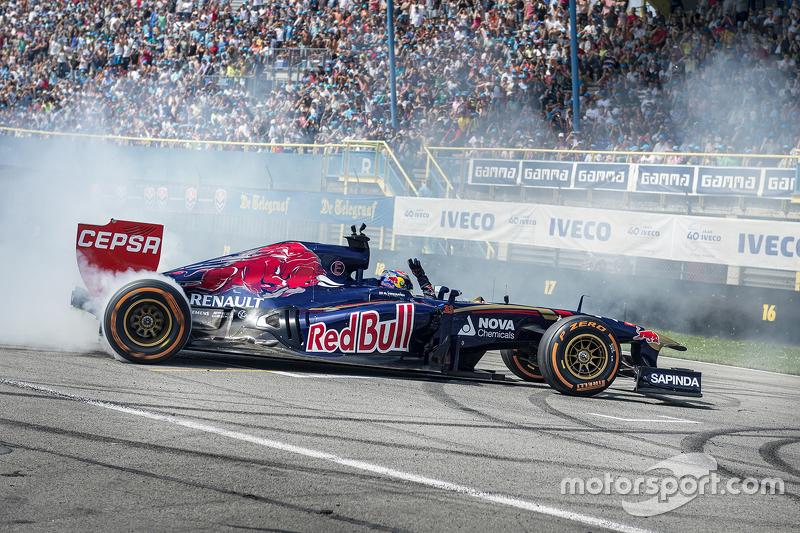 Макс Ферстаппен виступає на Red Bull Showrun: Assen