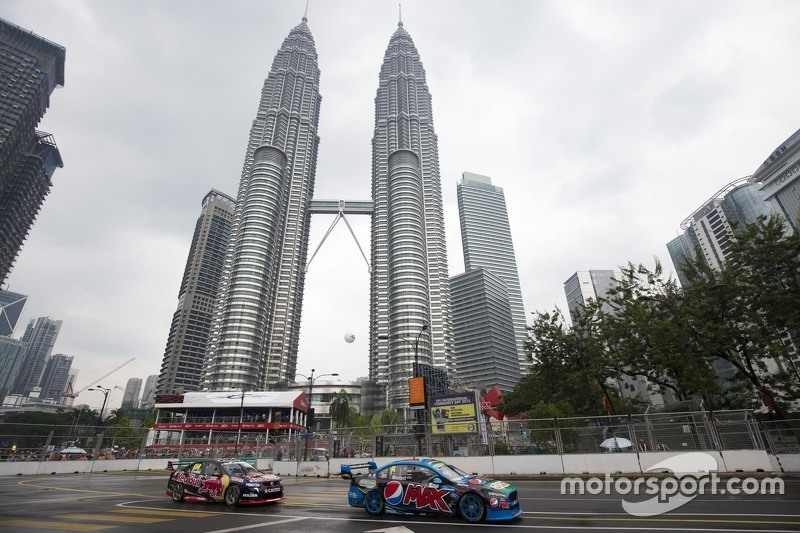 Chaz Mostert, Prodrive Racing Australia Ford dan Craig Lowndes, Triple Eight Balap Mesin Holden