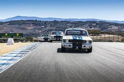 Trois Ford Mustang GT 350s