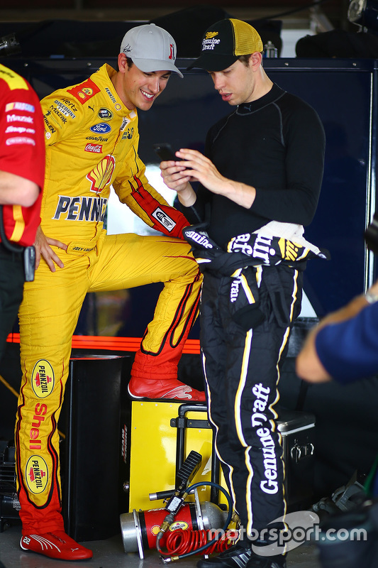 Joey Logano, Team Penske Ford and Brad Keselowski, Team Penske Ford
