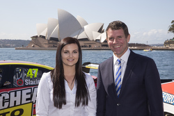 NSW Premier Mike Baird bersama Renee Gracie