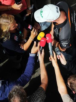 Nico Hulkenberg, Sahara Force India F1, conversa com jornalistas