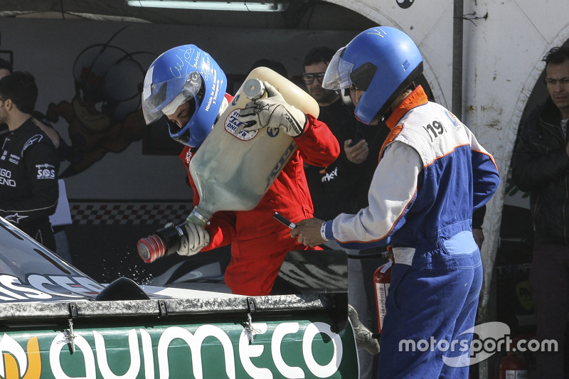 First time refueling in TC Juan Marcos Angelini, UR Racing Dodge