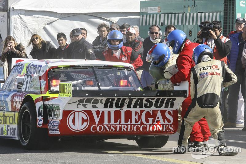 First time refueling in TC Juan Pablo Gianini, JPG Racing Ford
