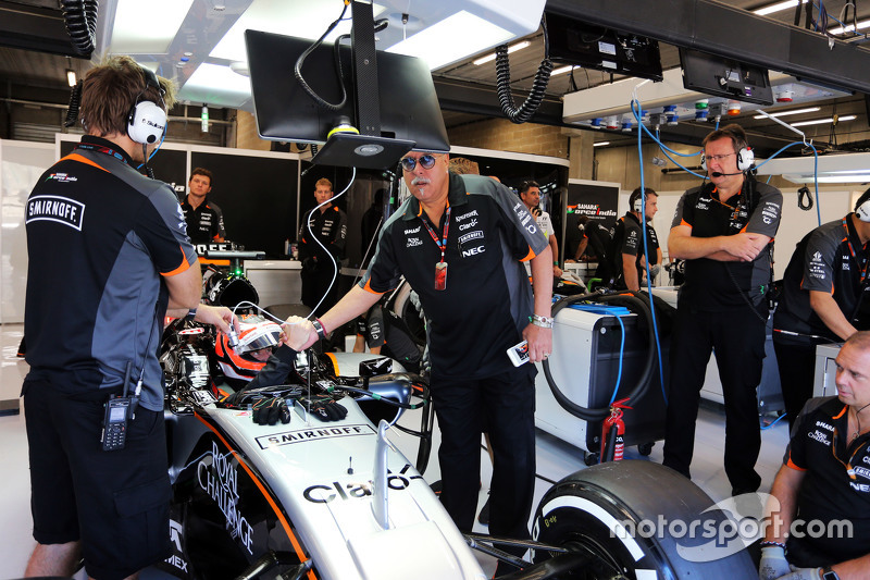 Dr. Vijay Mallya, Sahara Force India F1 Team Owner with Nico Hulkenberg, Sahara Force India F1 VJM08