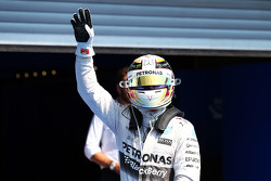 Polesitter Lewis Hamilton, Mercedes AMG F1 W06