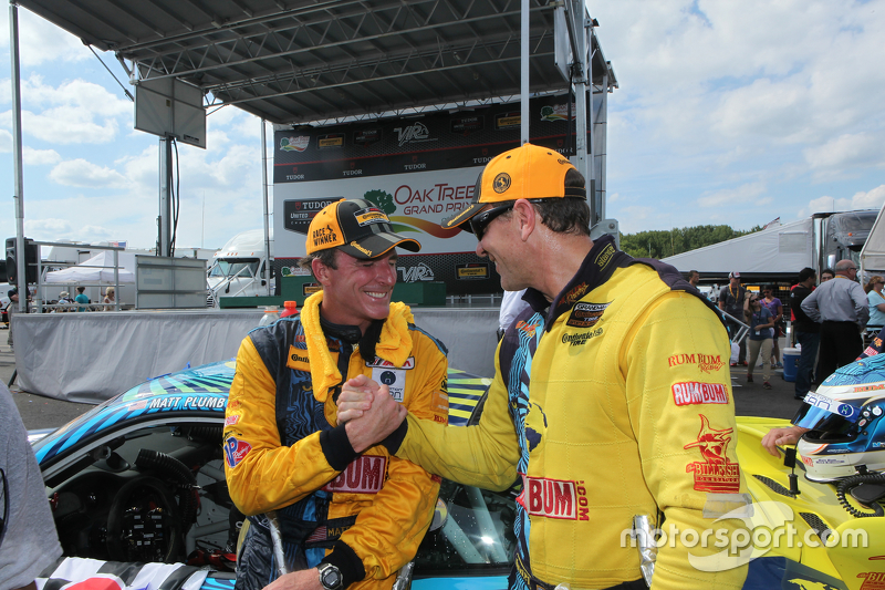 Para juara balapan #13 Rum Bum Racing Porsche 911: Matt Plumb, Hugh Plumb