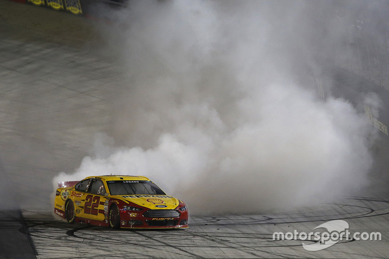 Juara balapan Joey Logano, Joe Gibbs Racing