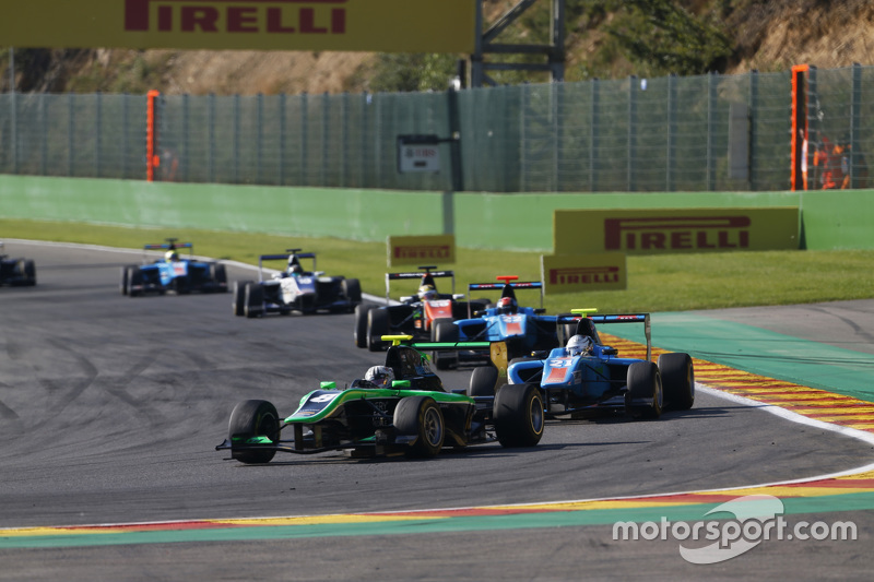 Alex Fontana, Status Grdan Prix memimpin di depan Matheo Tuscher, Jenzer Motorsport