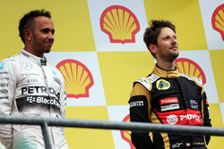 Podium: Race winner Lewis Hamilton, Mercedes AMG F1 with third place Romain Grosjean, Lotus F1 Team