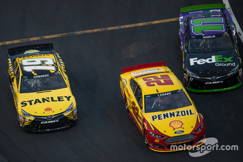 Carl Edwards, Joe Gibbs Racing Toyota, Denny Hamlin, Joe Gibbs Racing Toyota, Joey Logano, Team Penske Ford