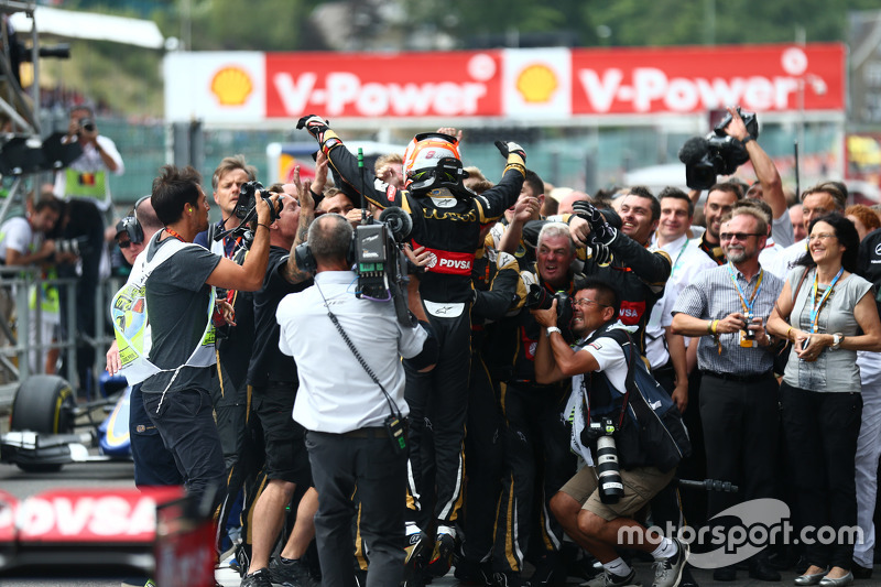 3rd place Romain Grosjean, Lotus F1 E23