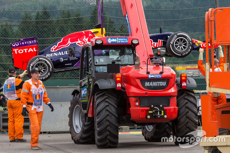 Red Bull Racing RB11 of race retiree Daniel Ricciardo, Red Bull Racing is recovered