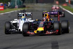 Daniil Kvyat, Red Bull Racing RB11 y Felipe Massa, Williams FW37