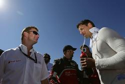 Allan McNish y Loic Duval, Audi Sport Team Joest