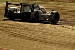 Porsche 919 Hybrid команды Porsche Team: Тимо Бернхард, Брендон Хартли, Марк Уэббер
