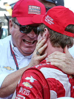 Race winner and series champion Scott Dixon, Chip Ganassi Racing Chevrolet and team owner Chip Ganassi