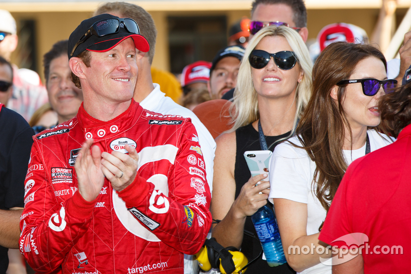 Race winner Scott Dixon, Chip Ganassi Racing Chevrolet