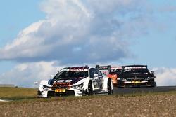 Марко Виттман (BMW M4 DTM), Паскаль Верляйн (Mercedes-AMG C63 DTM) и Джейми Грин (Audi RS5 DTM)