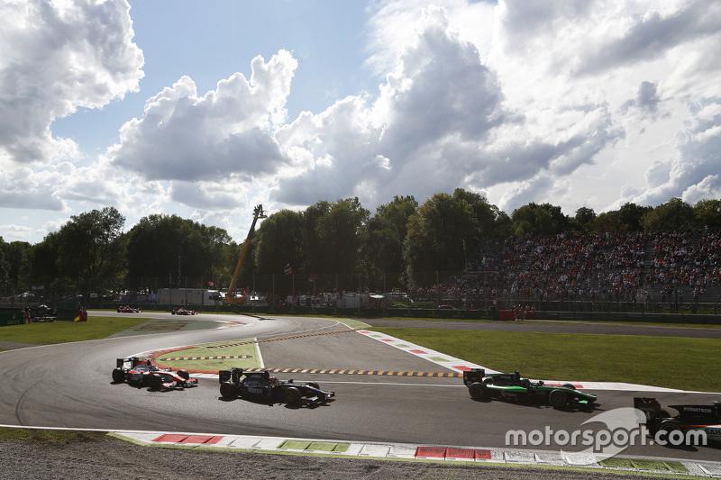 Марлон Штокінгер, Status Grand Prix лідирує  Патрік Нідерхаузер, Team Lazarus