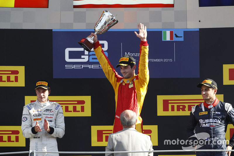 Race 1 Podium: second place Stoffel Vandoorne, ART Grand Prix and winner Alexander Rossi, Racing Engineering and third place Mitch Evans, RUSSIAN TIME