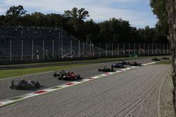 Brandon Maisano, Campos Racing ve Aleksander Bosak, Arden International lider Mitch Gilbert, Carlin