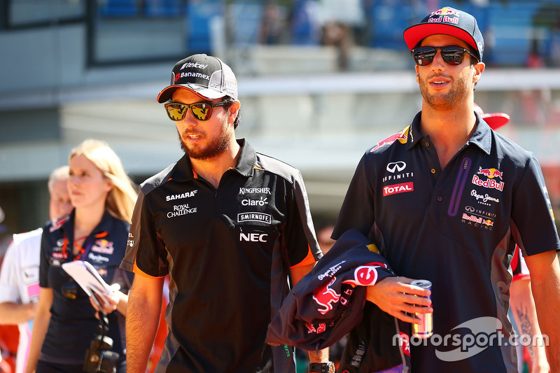 Sergio Perez, Sahara Force India F1 with Daniel Ricciardo, Red Bull Racing