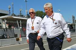 Чарли Уайтинг, делегат FIA и Херби Блаш, делегат FIA