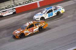 Carl Edwards, Joe Gibbs Racing Toyota dan T.J. Bell