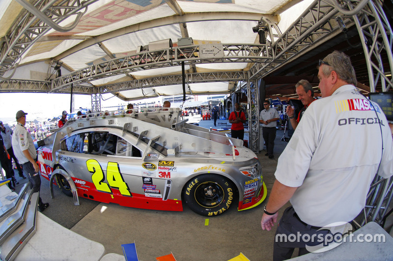 Tech inspection: Jeff Gordon, Hendrick Motorsports Chevrolet