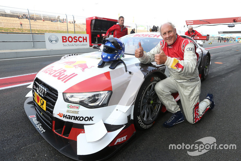 Hans-Joachim Stuck mit dem Audi RS 5 DTM-Renntaxi
