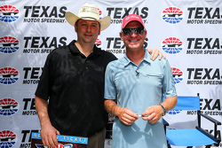 Клінт Бойєр, Michael Waltrip Racing Toyota joined фанати та the press at Texas Motor Speedway