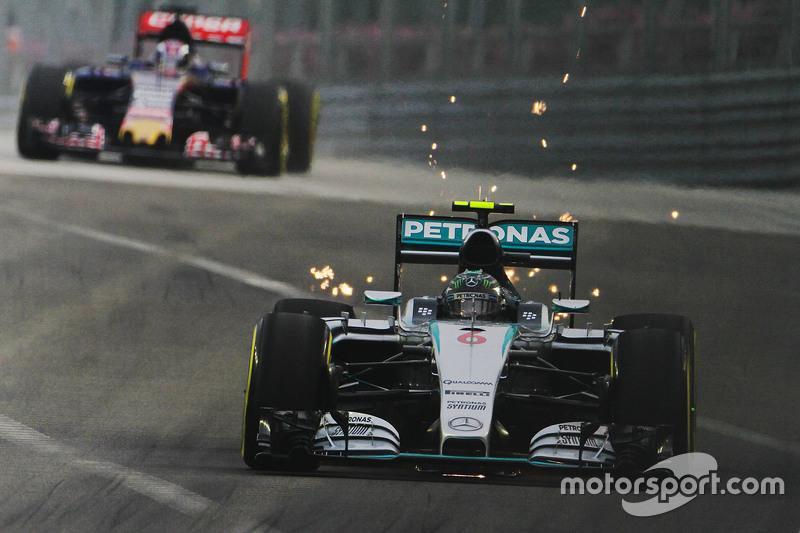 Ніко Росберг, Mercedes AMG F1 W06 посилає іскри