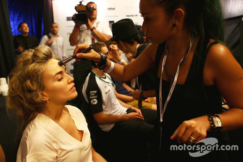 Carmen Jorda, Lotus F1 Team, Entwicklungsfahrerin, bei der Modenschau Amber Lounge